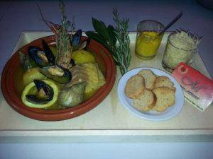 Marmite du pêcheur croutons rouille rapé filet de poisson moules bulots gambas encornet soupe de poissons